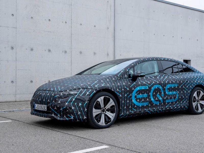 Mercedes enters new era with flagship sedan going electric thumbnail