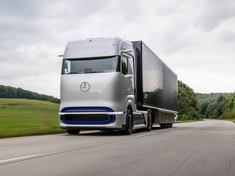Mercedes%20GenH2%20fuel%20cell%20truck%20concept%20web