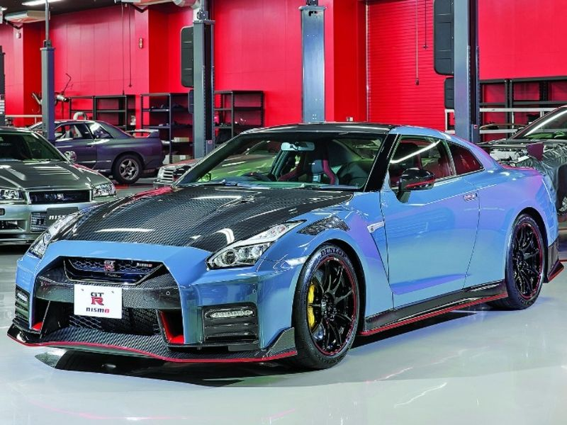 Nissan's GT-R a 600-hp hamburger helper in Japan