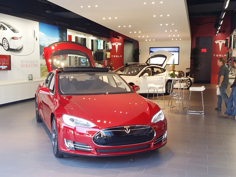 California lawmakers propose incentives for Tesla battery