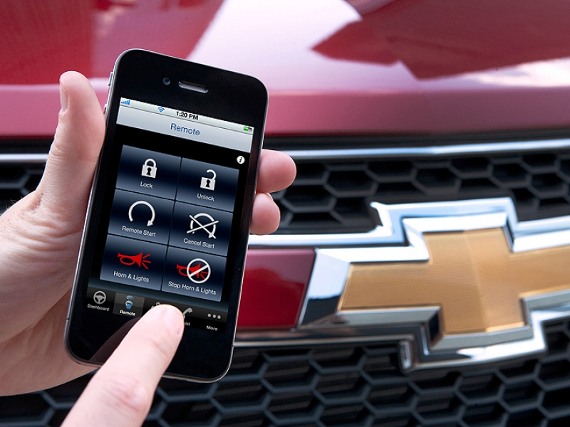 GM offers free remote-start service via smartphones