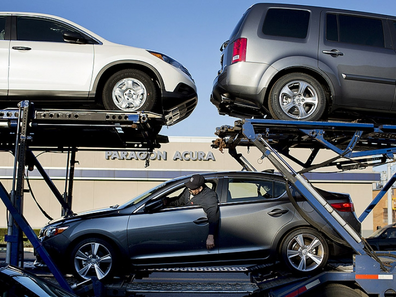 Automakers close out 2012 strong as Dec  volume rises 9