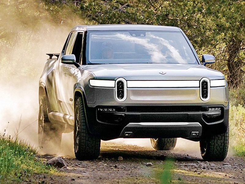 Rivian R1T gets a 314 EPA rating for range; R1S comes in at 316 thumbnail