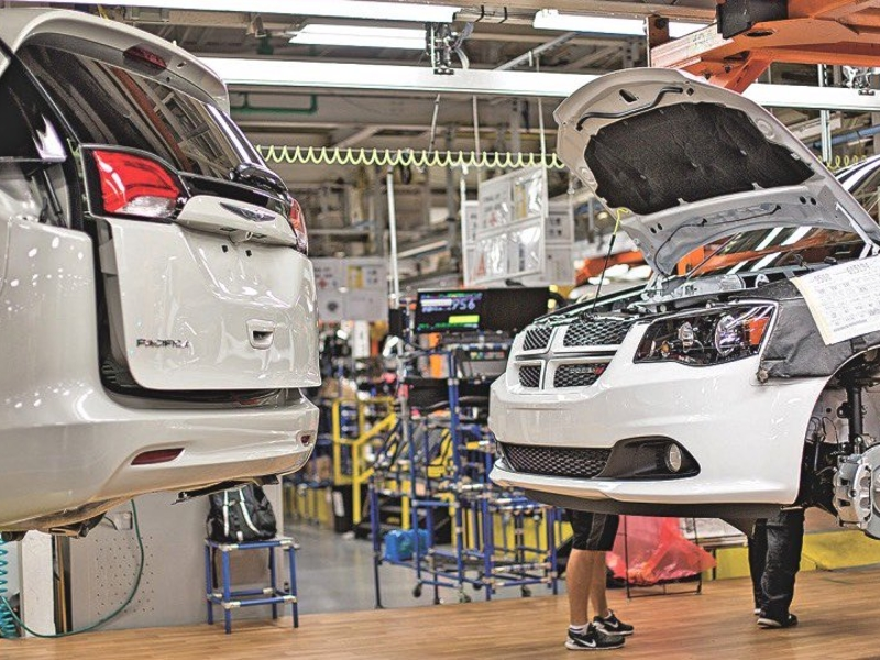 FCA extends Windsor minivan plant's third shift by 3 weeks for fleet order
