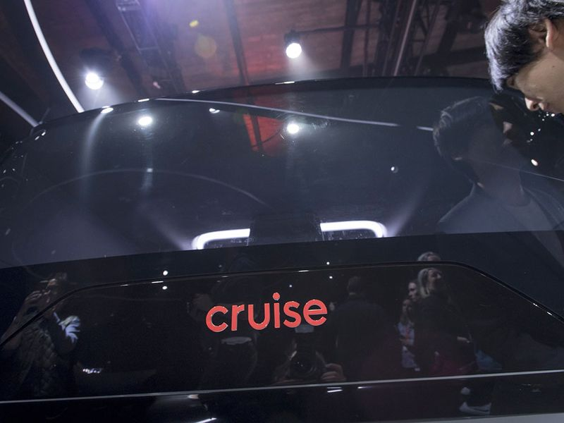 GM-backed Cruise buys self-driving startup Voyage in talent grab thumbnail
