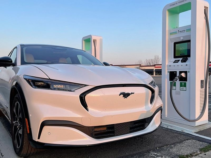 Study: EVs cost more to service than ICE vehicles thumbnail