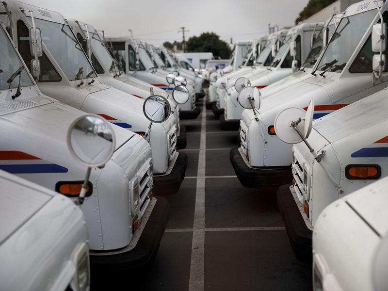 Lawmakers back $8 billion for electric U.S. postal vehicles thumbnail