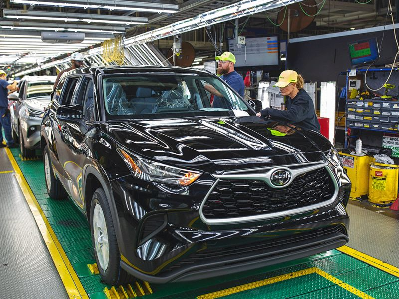 Toyota pumps $803M into Ind. plant to build 2 new utilities, including a Lexus thumbnail