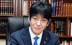 Hiroyuki Yoshiie, Japan's deputy justice minister, met with officials in Lebanon.