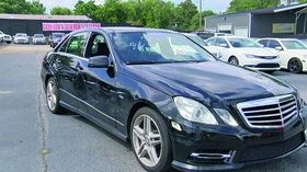 The keys to the E350 were left in the cupholder when it was delivered.