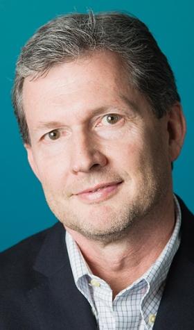 Hindsight : Auto Internet pioneer John Holt retiring from