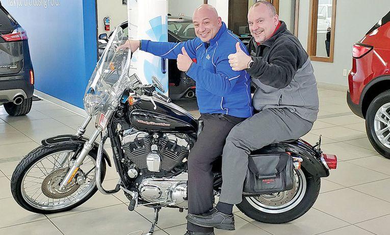 Salesmen Dan Yanes, left, and Tom Thayer