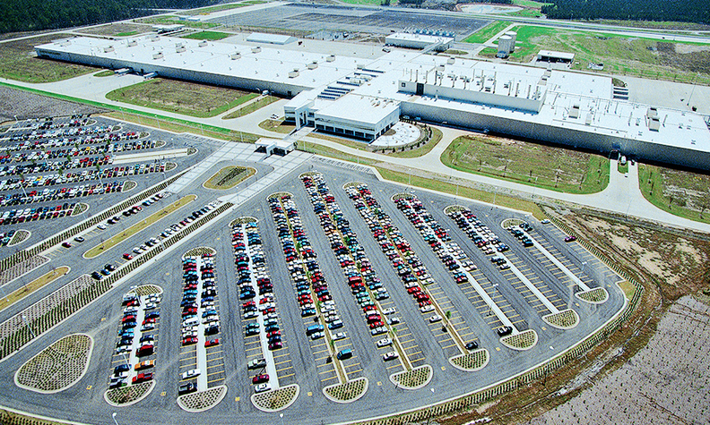 The Mercedes Benz Plant In Vance Ala Outside Of Tuscaloosa Has A Capacity 300 000 Vehicles Year
