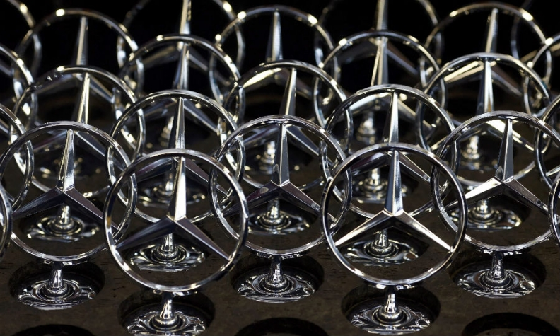 mercedes badges rtrs web.jpg