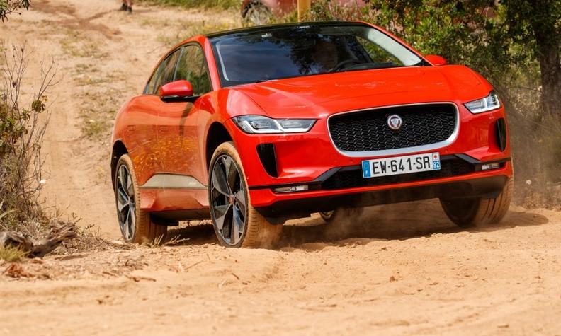 Jaguar I-Pace action web.jpg