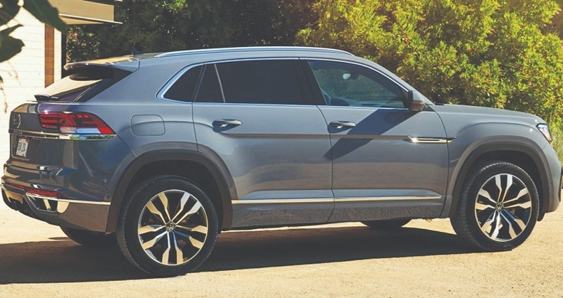 The five-seat Atlas Cross Sport crossover is expected to add volume in a white space for Volkswagen dealers.