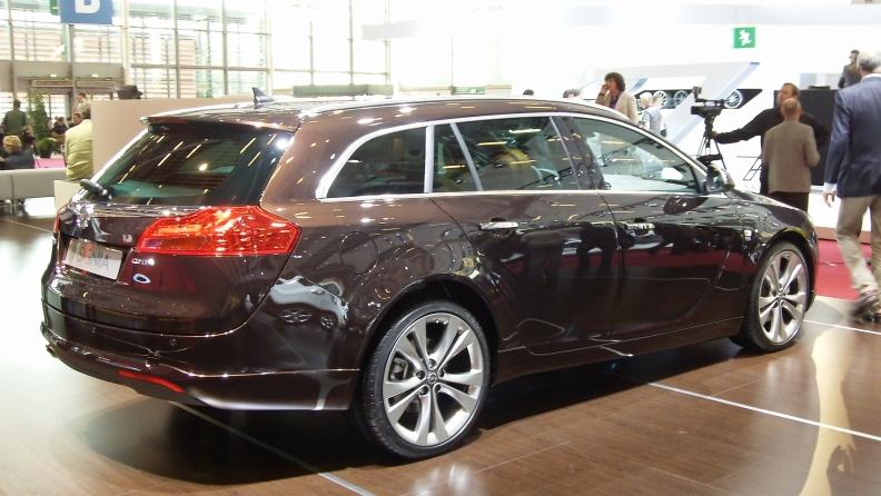 Reuss' hint of a Malibu wagon should become GM's reality