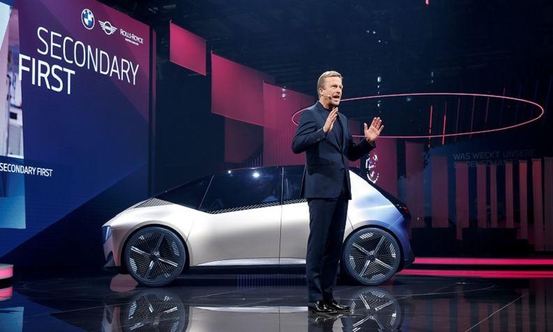 BMW i Vision Circular concept  Zipse reuters web.jpg