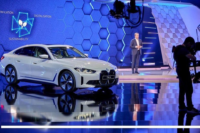 BMW i4 Zipse annual press conf. March 17 2021.jpg