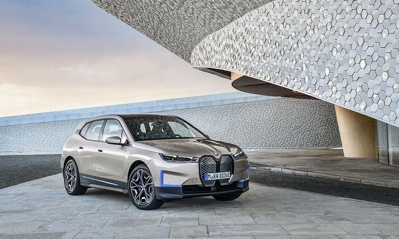 BMW iX web.jpg