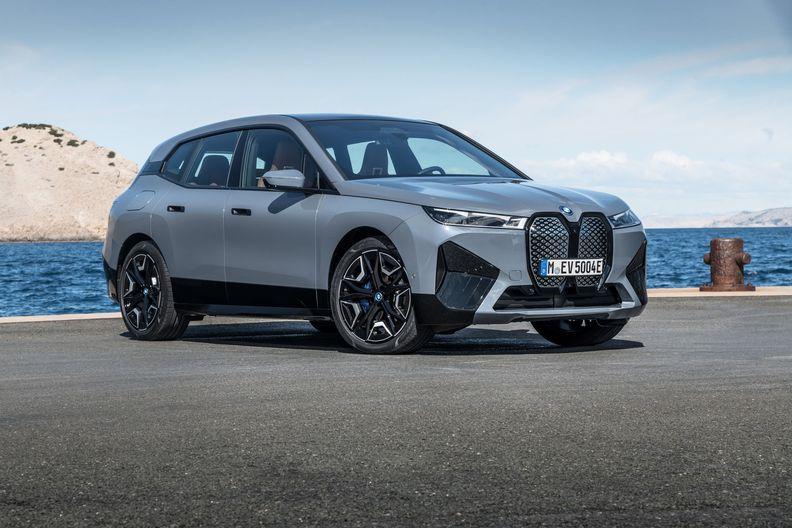 BMW moves forward on BEV mission with iX, i4