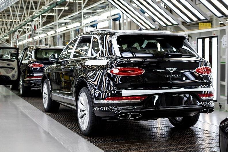 Bentley Bentayga production Crewe web.jpg