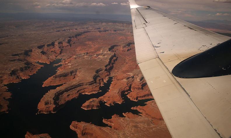 Flight art Bloomberg 900x540.jpg