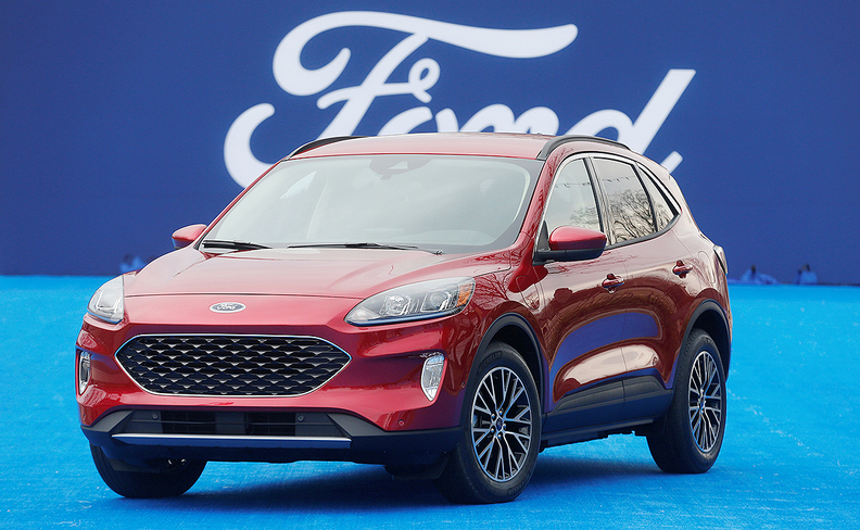 ford packs  escape   cylinder engine hybrid powertrains