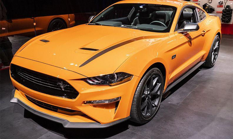 Ford Mustang 900x540.jpg