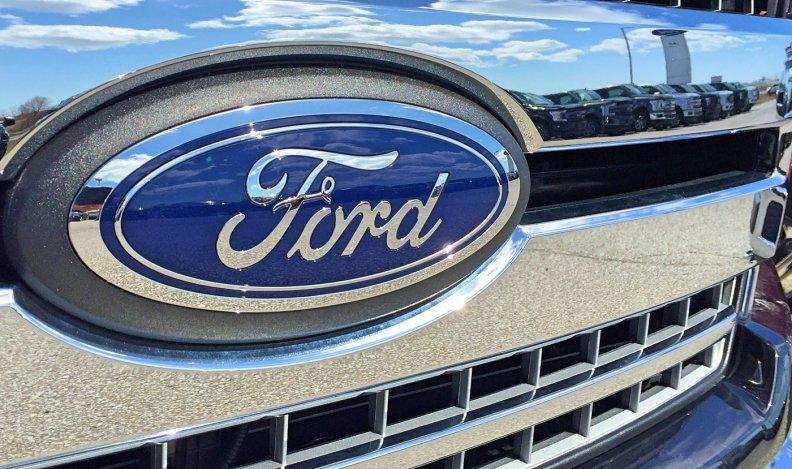 FordLogoF150.jpg