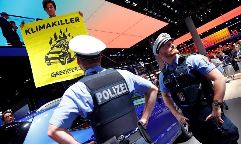 Frankfurt show 2019 protests.jpg
