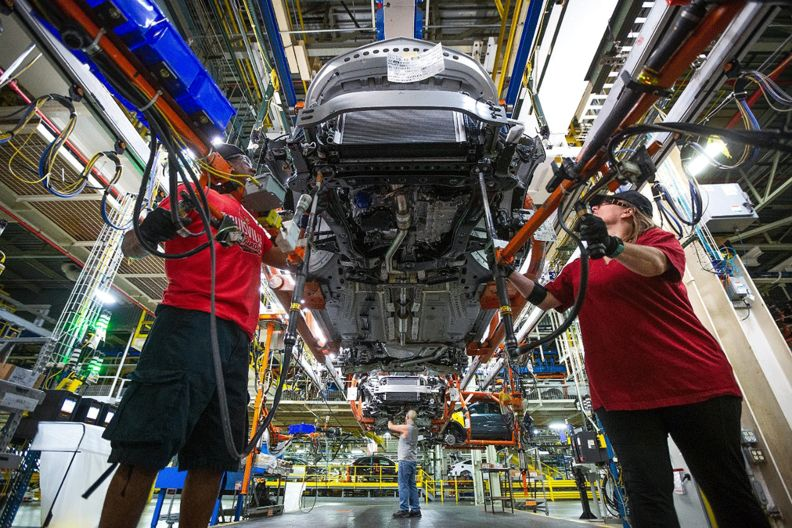 GM extends downtime in Kansas, adds curbs at Michigan plant