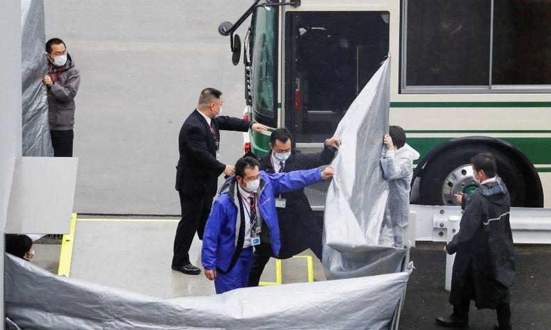 Taylors arrive in Japan