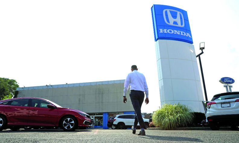Honda gained nearly a point of U.S. market share in the first half. Detroit 3 automakers all lost share.