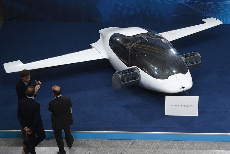 Former GM exec's SPAC to acquire electric aircraft startup Lilium