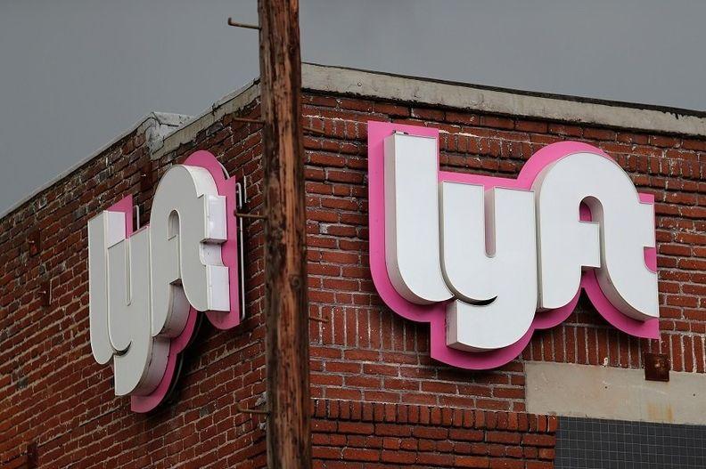 Lyft logo rtrs.jpg