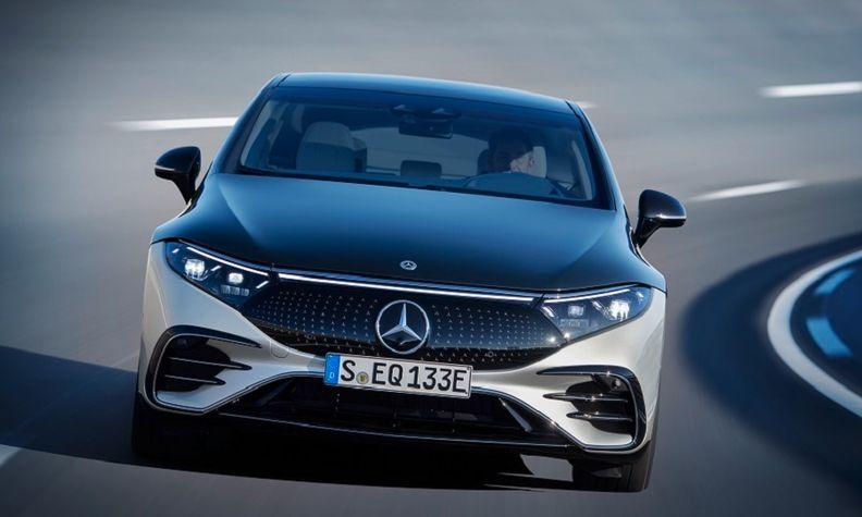 Mercedes EQS mirrors web.jpg