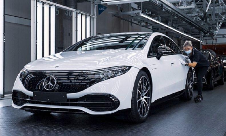 Mercedes EQS production Sindelfingen web_0.jpg
