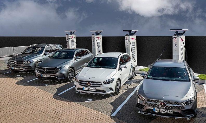Mercedes compact cars web.jpg
