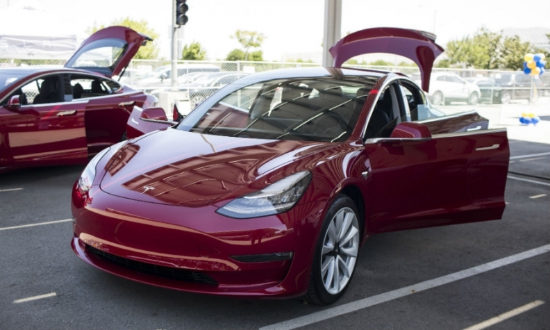 Tesla Will Start The European Rollout Of Its Model 3 In February Putting Pressure On German Premium Brands That Have Seen S Out Flagship