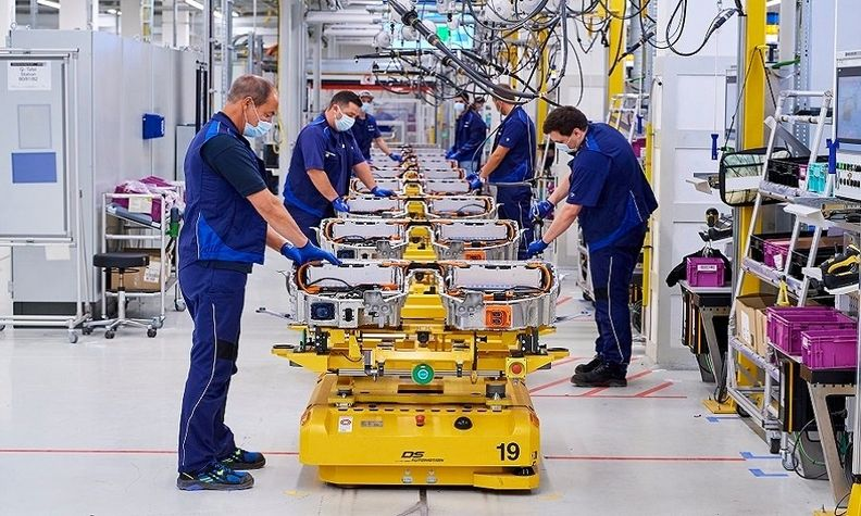 Production of high-voltage batteries in BMW Dingolfing_0.jpg