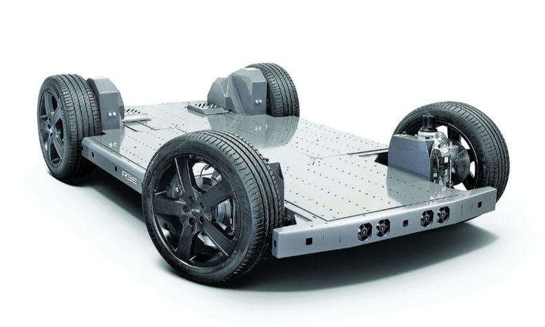 Ree puts drive components into the wheels, leaving a flat chassis to configure.