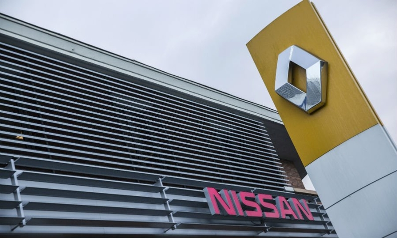 Renault Nissan bb web.jpg