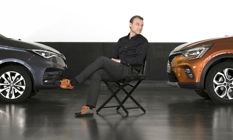 Renault Van den Acker web.jpg