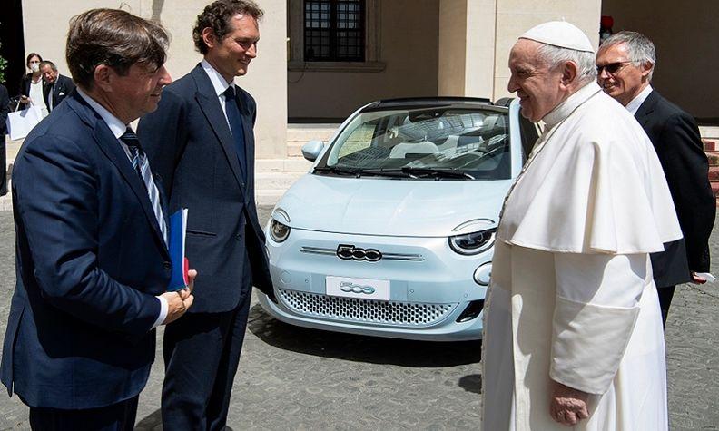 Stellantis Pope web.jpg