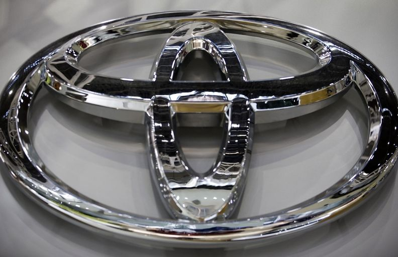 TOYOTA BADGE_0.jpg