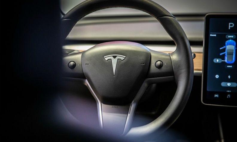 Tesla Autopilot web.jpg