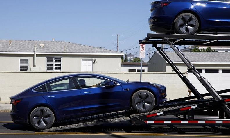 Tesla Model 3 delivery BB web.jpg