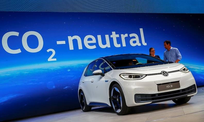 VW ID3 Frankfurt 2019 rtrs web_0.jpg