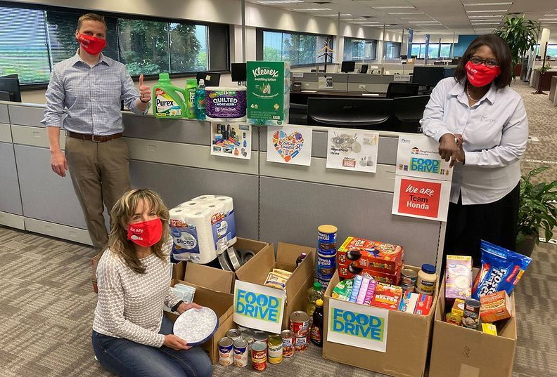 Filename: Vitro Automotive Glass Vitro Automotive Glass of Rochester Hills, Michigan hosted a food drive for Week(s) of Service 2021. All items collected and funds donated will be given to Neighborhood House and Gleaners Foodbank.